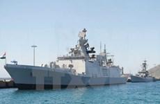 印度两艘军舰抵达金兰港对越南进行正式友好访问