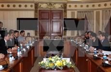越南胡志明市与老挝首都万象加强合作