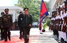 柬埔寨国会主席和首相会见越南国防部长吴春历