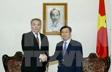 越南政府副总理王廷惠会见俄罗斯联邦共产党代表团