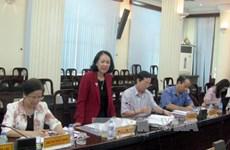 越共中央民运部部长张氏梅赴北江省调研