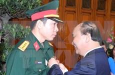 越南射击选手黄春荣荣获一级劳动勋章