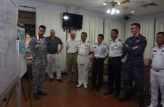 东盟8国与美国海军在新加坡举行年度联合反恐演习