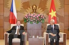 进一步加强越捷两国立法机构合作关系
