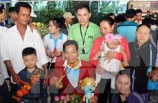 越南残奥健儿载誉归来 机场迎接场面热烈