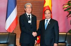 越南政府总理阮春福会见泰国副总理颂吉·乍都斯披塔