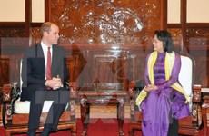 越南国家副主席邓氏玉盛会见英国剑桥公爵
