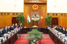 政府总理阮春福与匈牙利总理维克多•奥尔班举行会谈