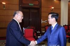 越南党和国会领导人分别会见来访的外国客人