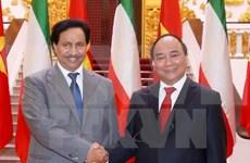 政府总理阮春福与科威特首相贾比尔举行会谈