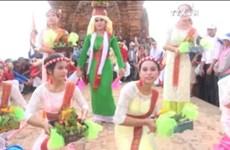 越南占族同胞喜迎卡特节