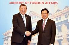 乌拉圭东岸共和国外交部长诺沃亚对越南进行正式访问
