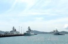 中国海军湘潭舰、舟山舰、巢湖舰编队访问越南(组图)