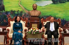 老挝人民革命党中央总书记、国家主席本扬·沃拉吉会见越共高级代表团