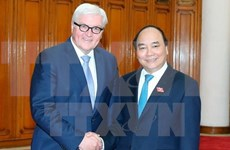 越南政府总理阮春福会见德国联邦外交部长