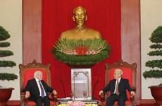 越共中央总书记阮富仲会见爱尔兰总统迈克尔•希金斯