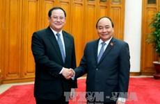 政府总理阮春福会见老挝副总理宋赛·西潘敦