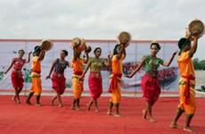 第11次安江省高棉族同胞文化体育与旅游节热闹开场