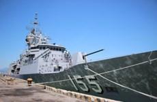 """澳大利亚海军""""巴拉腊特""""号护卫舰访问岘港市"""