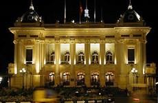 河内大剧院正式开门迎接游客前往参观