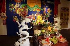 来升龙皇城遗迹区感受昔日中秋节的气氛