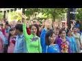 胡志明市3000多名女性参加集体奥戴秀表演