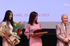 越南两名学者荣获法国骑士勋章
