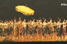 """""""柬埔寨—文化王国""""展览会在芹苴市开展"""