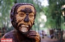西原文化中的木制雕像