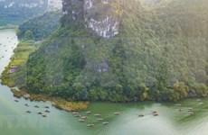 组图:春天里来长安旅游区游山玩水