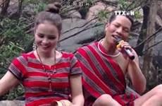 少数民族同胞发展乡村旅游   助力脱贫致富