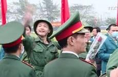 河内市上千名新兵纷纷启程奔赴军营
