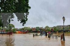 台风过后会安古镇居民积极克服灾害后果