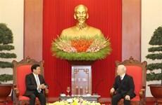 组图:越共中央总书记、国家主席阮富仲接见老挝政府总理通伦•西苏里