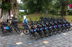 共享自行车服务    共享绿色生活