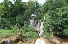 组图:肚兜瀑布:木州高原上流淌着的美丽丝带