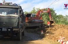 广南省泥石流事故:与时间赛跑 全力以赴抢险救灾