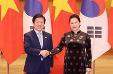 组图:越南国会主席阮氏金银与韩国国会议长朴炳锡举行会谈