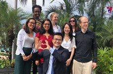 越南首位科学家荣获诺姆•乔姆斯基奖
