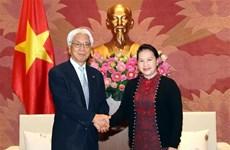 阮氏金银会见日本参议院副议长小川敏夫