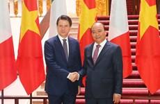 阮春福总理与意大利总理朱塞佩•孔特举行会谈(组图)