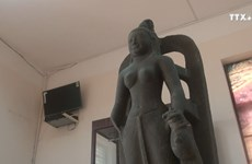 在越南挖掘到的萨罗斯瓦蒂女神雕像首次亮相