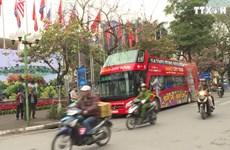 国际媒体记者可免费体验河内市双层观光巴士