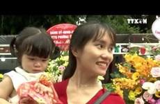 一对超大的中秋月饼破越南纪录