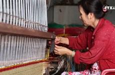 前江省多措并举扶持隆定乡传统凉席编织业发展