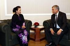 组图:国会主席阮氏金银与俄罗斯联邦国家杜马主席举行会谈