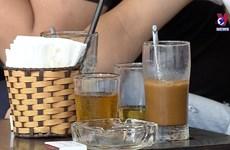 炎热夏天里   清凉饮品深受消费者的欢迎