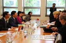 越南政府副总理范平明访问澳大利亚