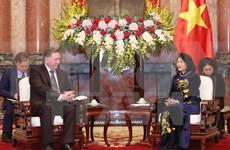 大力推动越南各地方与俄罗斯库尔斯克省的经济合作
