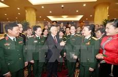 越共中央总书记阮富仲会见女军人模范代表